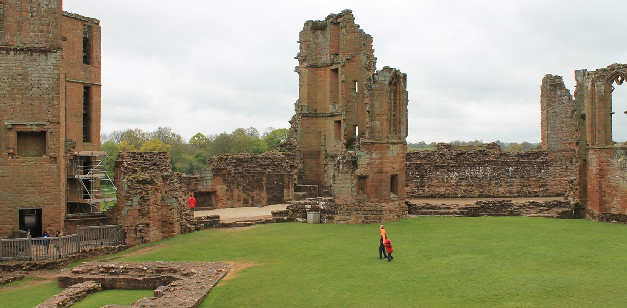 The courtyard at Kenilworth Castle Image